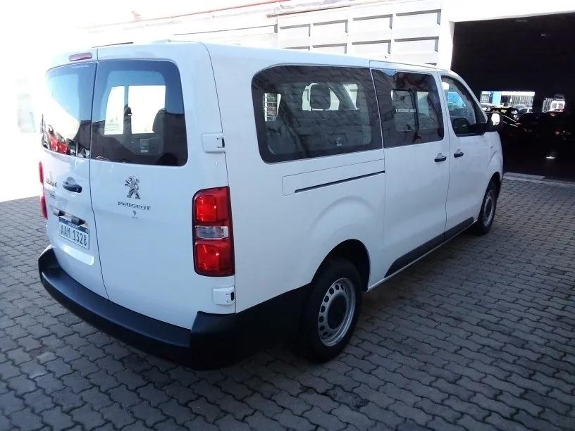 peugeot-expert-minivan-9-pasajeros-Jul30_04