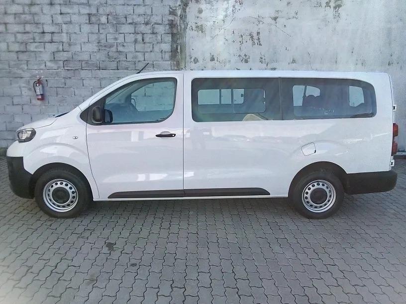 peugeot-expert-minivan-9-pasajeros-Jul30_05