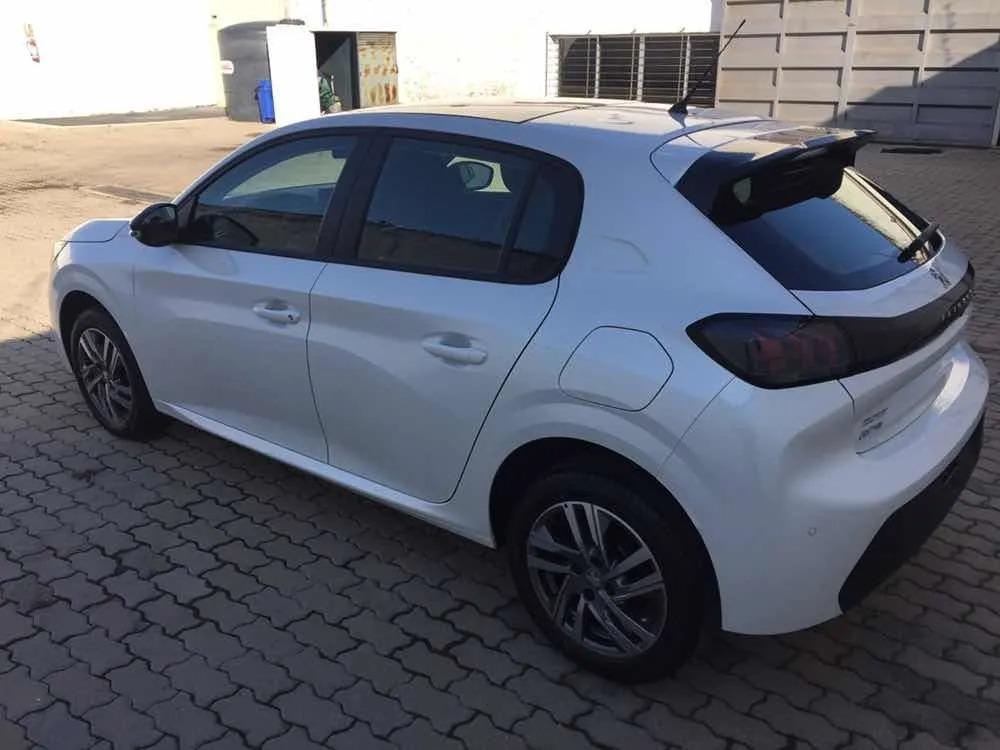 Peugeot New 208 Feline_may28_08