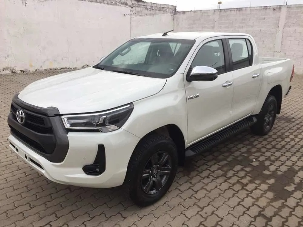 Toyota Hilux 27 Dcab_may21_01