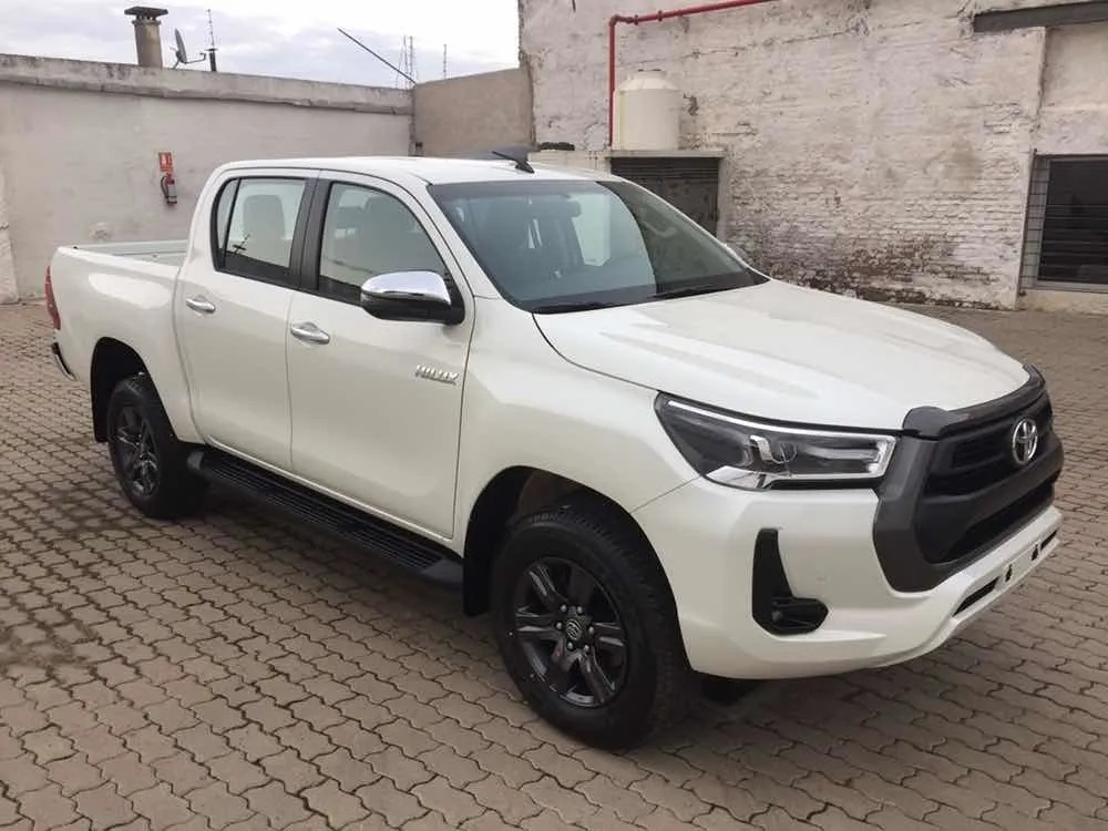 Toyota Hilux 27 Dcab_may21_02