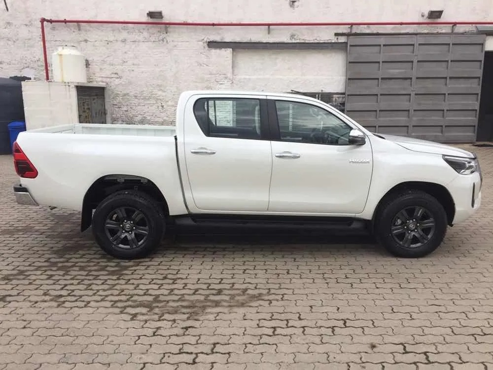 Toyota Hilux 27 Dcab_may21_06