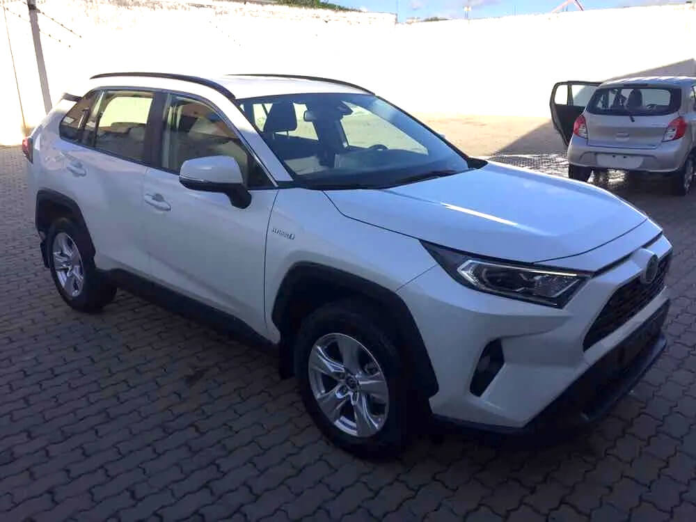Toyota RAV4 Hybrid_jul26_02