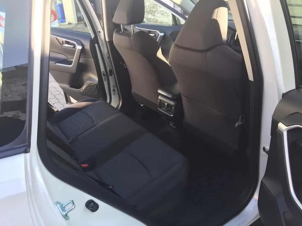 Toyota RAV4 Hybrid_jul26_13